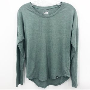 The North Face Women's Classic Fit Long Sleeve Tee